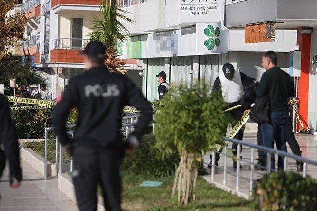 19-12/17/bankaya-girdi-2-kisiyi-rehin-aldi-2-yeniden_9193_dhaphoto8.jpg