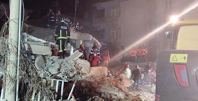 20-01/27/antalya-deprem-yardim-1580133064.JPG