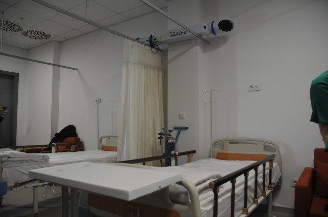 20-01/27/istanbul-havalimanindaki-karantina-odasi-koronavirus-icin-hazir_1753_dhaphoto2.jpg