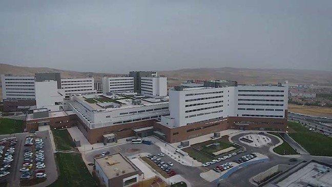 20-01/29/elazigin-en-guvenli-binasi-fethi-sekin-sehir-hastanesi_1531_dhaphoto4.jpg