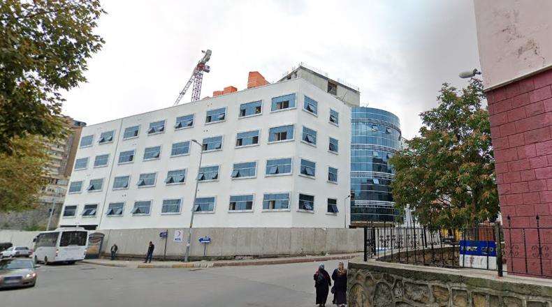 Okulun hemen arkasındaki şehir hastanesi inşaatı